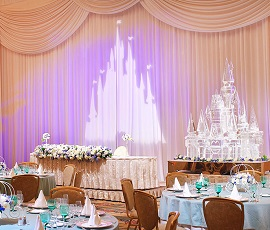 アンバサダーウェディング宴会場(画像引用元:Disney)