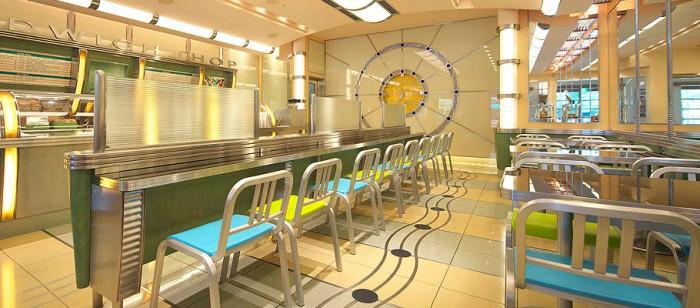 アンバサダーホテルのデリカフェ(画像引用元:ディズニーアンバサダーホテル)