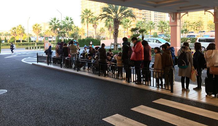 ディズニーセレブレーションホテルのバスの列