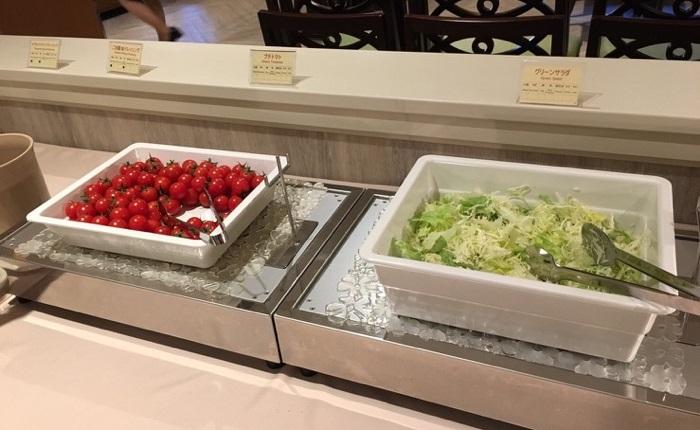ディズニーセレブレーションホテルのサラダ