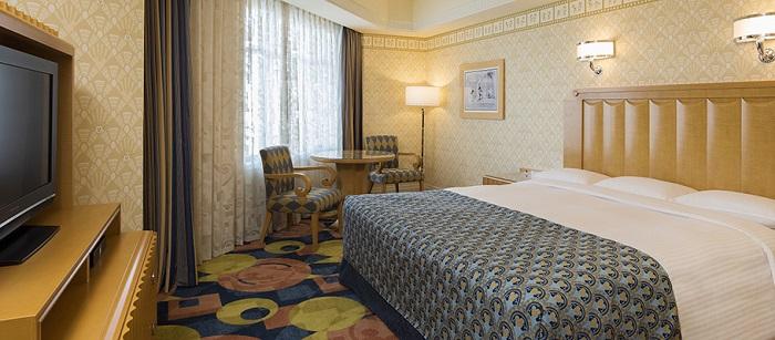ディズニーアンバサダーホテルの最安値予約4人家族