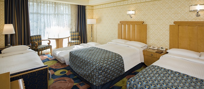 ディズニーアンバサダーホテルの最安値予約6人家族