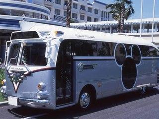 ディズニーホテルの無料シャトルバス(画像引用元:楽天トラベル)