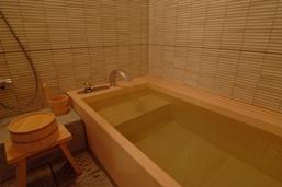 東京ベイ舞浜の客室和風呂(画像引用元:楽天トラベル)