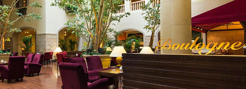 オリエンタルホテル東京ベイのバーラウンジ(画像引用元:楽天トラベル)