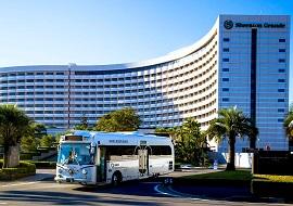 シェラトンのシャトルバス(画像引用元: Sheraton Hotels & Resorts)
